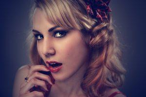 Tutoriel – Maquillage Glamour et Chic pour la Saint-Valentin
