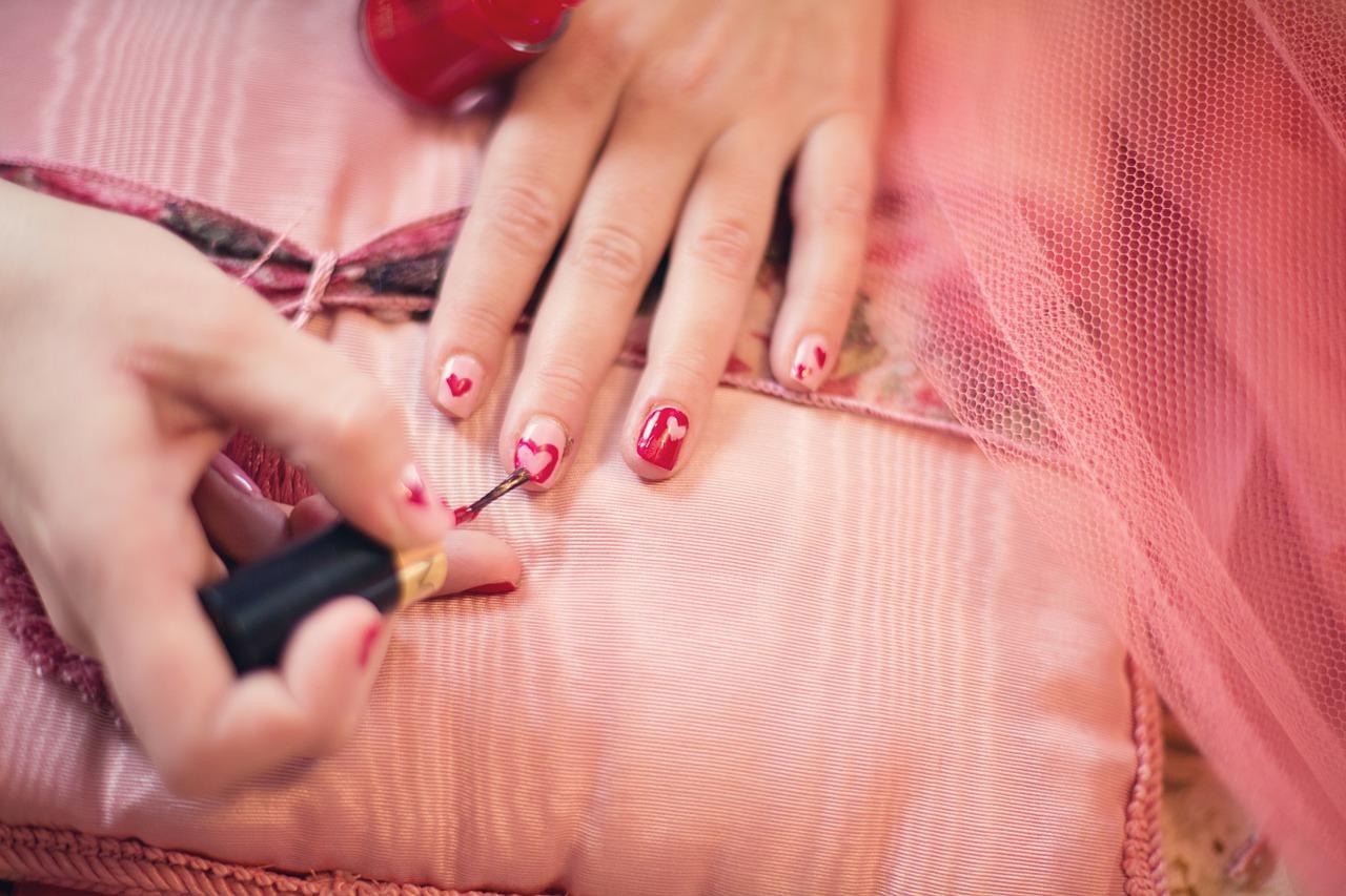 Conseils étonnants pour éviter que votre vernis à ongles bon marché ne s'écaille